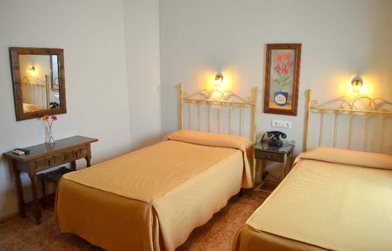 Plaza San Sebastian - Room - 8