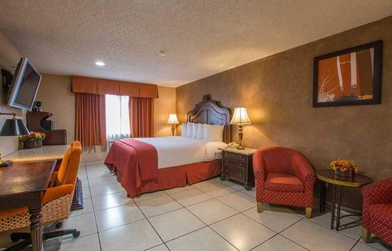 Quality Inn & Suites Near The Border - Room - 28