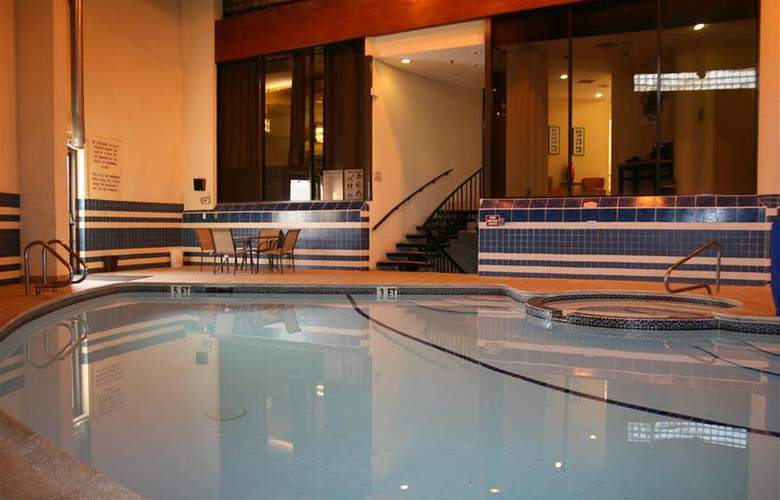 Best Western Bordentown Inn - Pool - 36