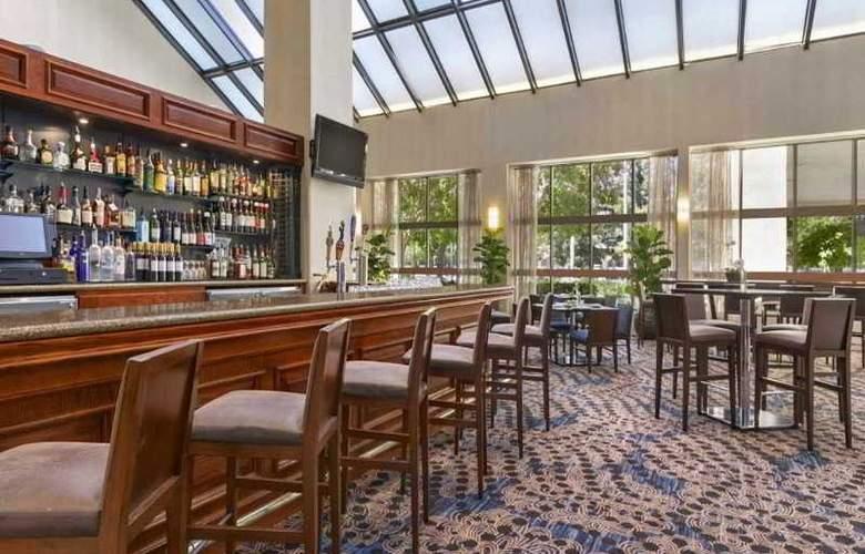 Embassy Suites Santa Clara Silicon Valley - Bar - 9
