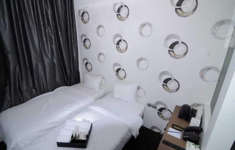 Moon Hotel Singapore - Room - 8