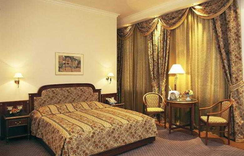 Ambassador-Zlatá Husa - Room - 1