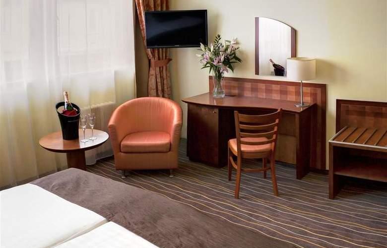 Luxury Family Hotel Bílá Labut - Room - 61