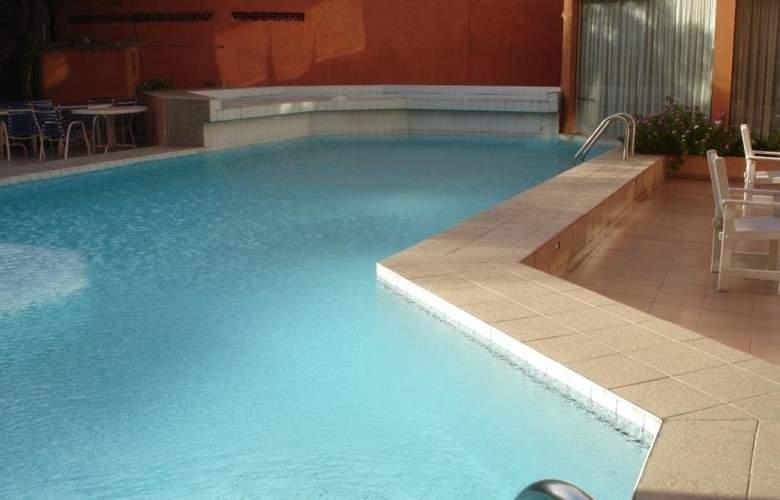 House Inn Apart Hotel - Pool - 5