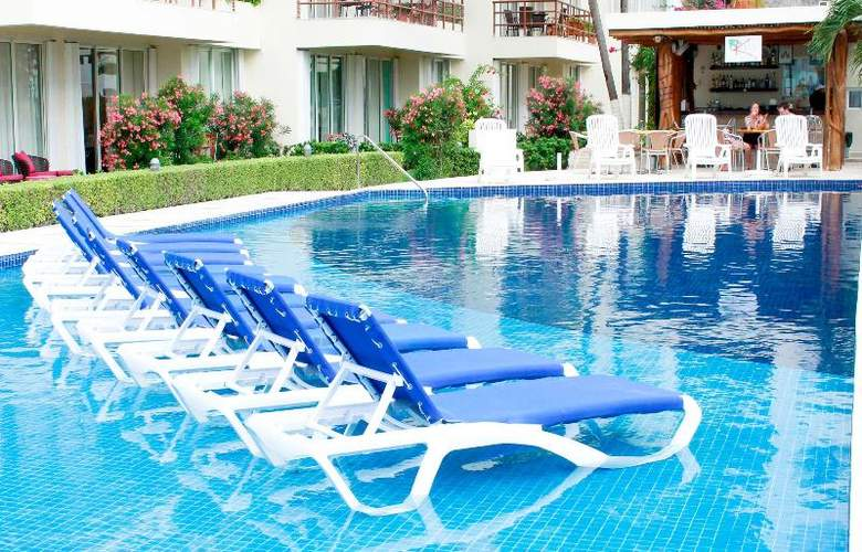 Ixchel Beach Hotel - Pool - 24