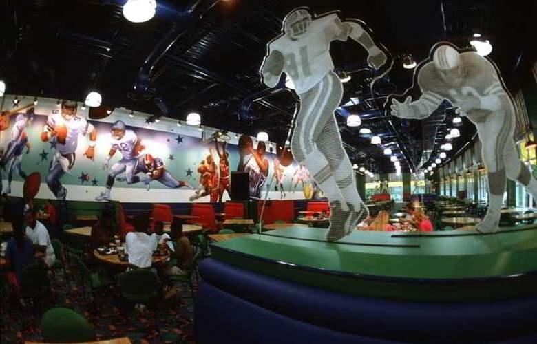 Disney's All Star Sports Resort Package - Restaurant - 3