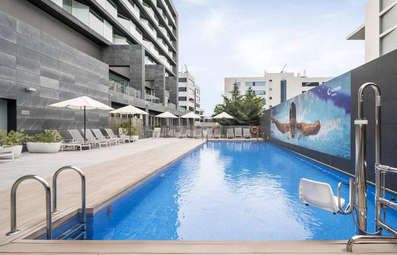 Ilunion Atrium - Pool - 18