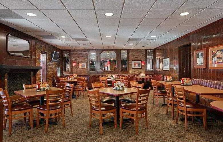 Best Western Plus Carriage Inn Sherman Oaks - Hotel - 18