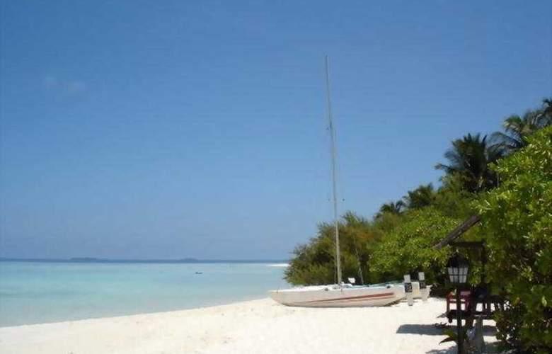 Embudu Village - Beach - 2