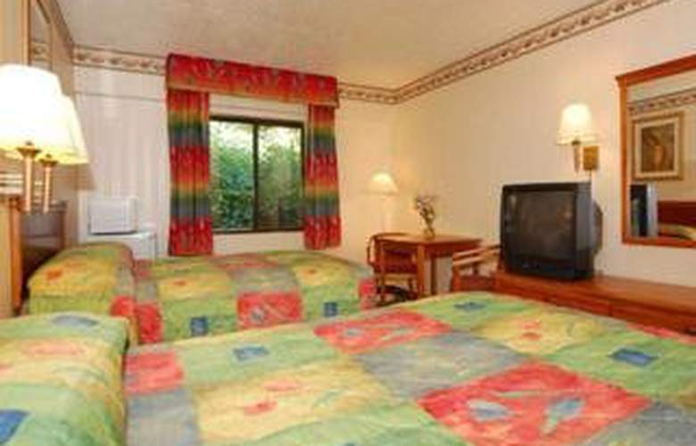 Econo Lodge Jersey City - Room - 4