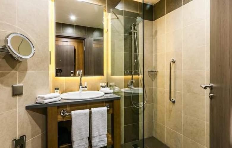 DoubleTree by Hilton Tyumen - Room - 12