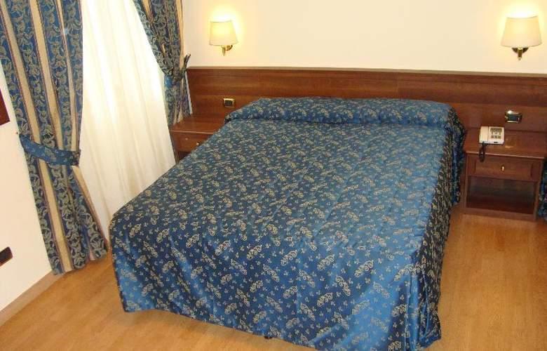 Mariano - Room - 8