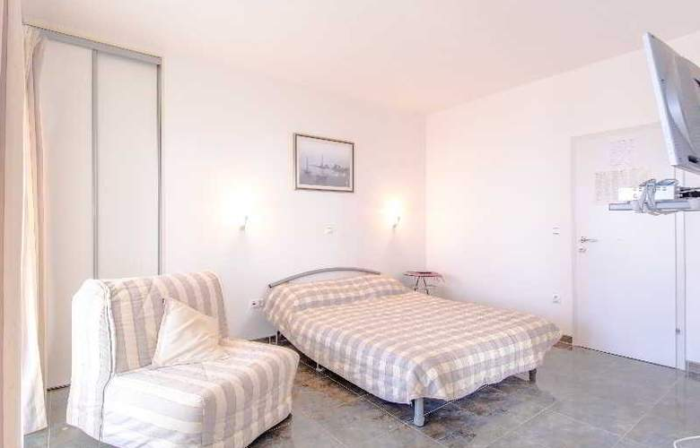 Apartments Duje - Room - 18