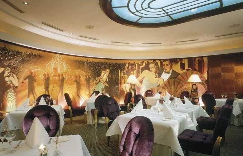 Radisson Blu Alcron Hotel - Restaurant - 11