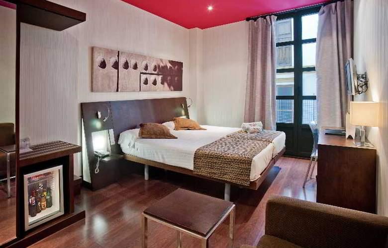 Petit Palace Marques Santa Ana - Room - 9