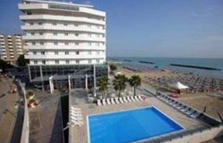 Sea Lion Pescara - Hotel - 0