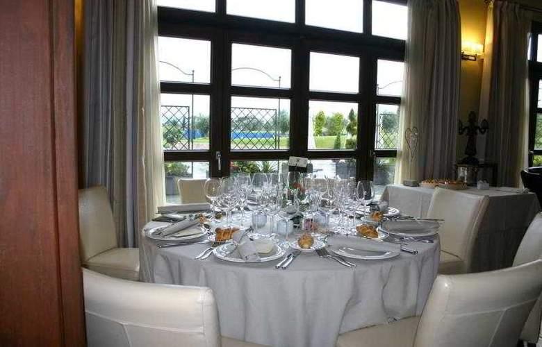 Villa Nazules Hipica & Spa - Restaurant - 9