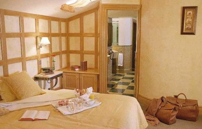 Chateau de Brindos - Room - 3