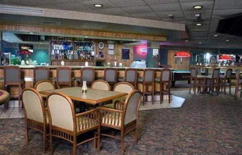 Ramada Rapid City/Mount Rushmore - Bar - 2