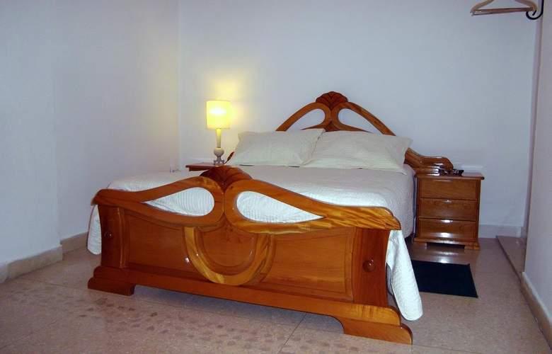 Casa Isabel Miramar - Room - 11