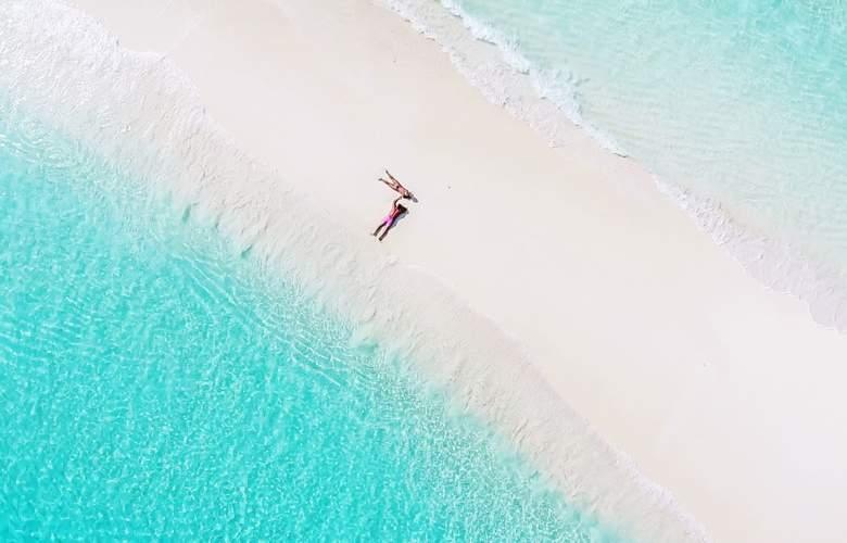 Palm Beach Resort & Spa Maldives - Beach - 5