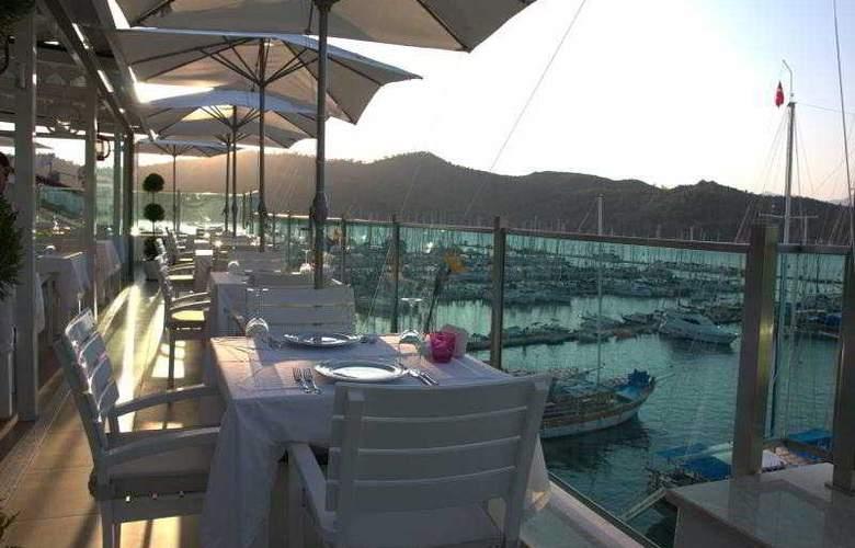 Alesta Yacht - Terrace - 12