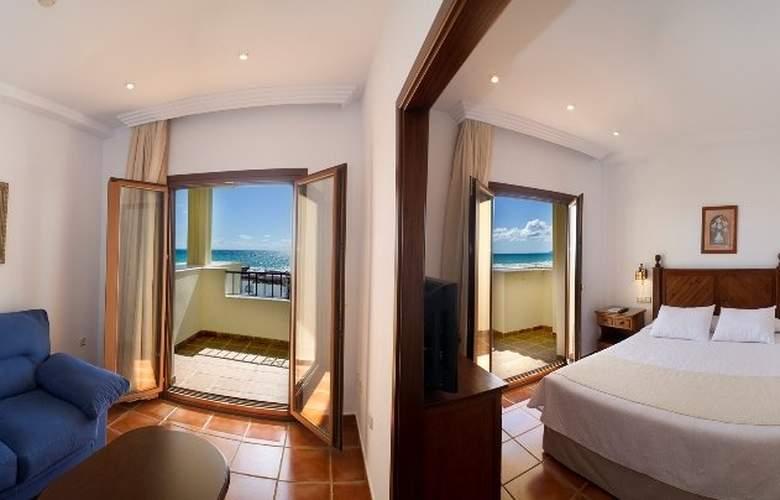 Antonio II - Room - 7