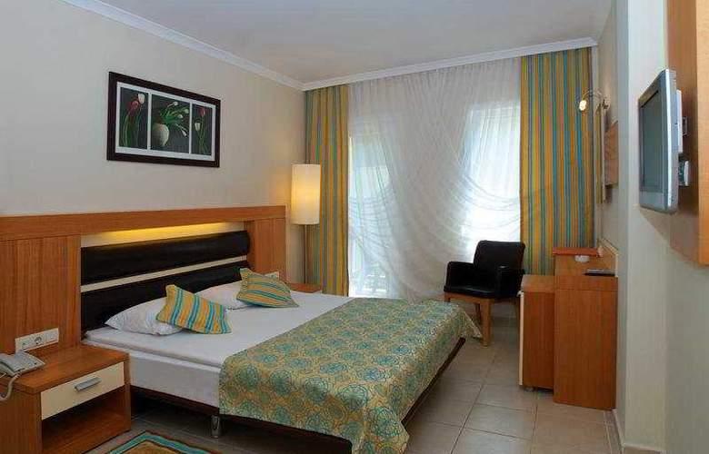 Crystal Flora Beach Resort - Room - 3