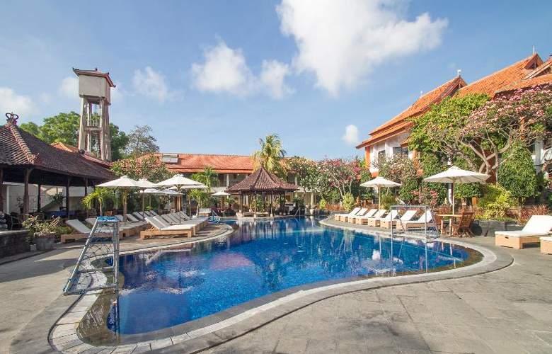 Sol House Kuta Bali - Pool - 18