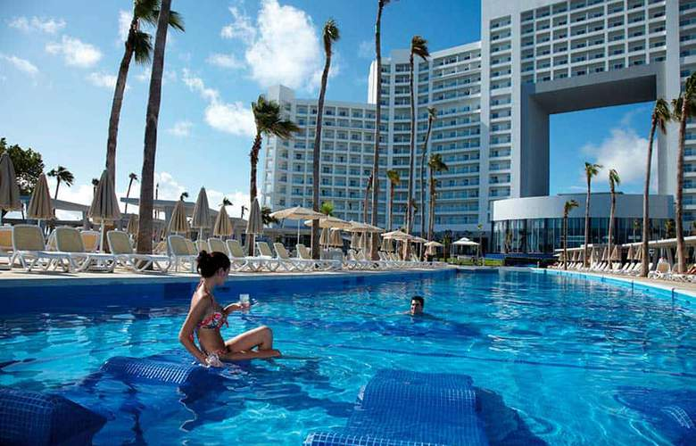 Riu Palace Península - Pool - 2