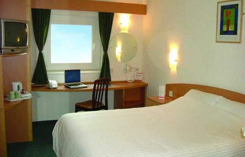 Ibis Styles London Excel Hotel - Room - 11
