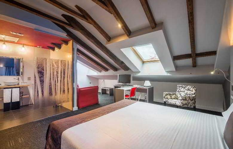 ICON Wipton by Petit Palace - Room - 8