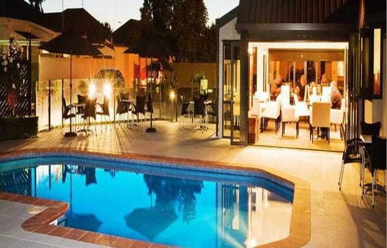Chateau Marlborough - Pool - 5