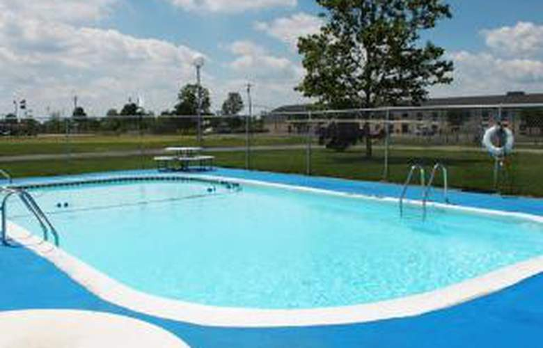 Econo Lodge - Pool - 6