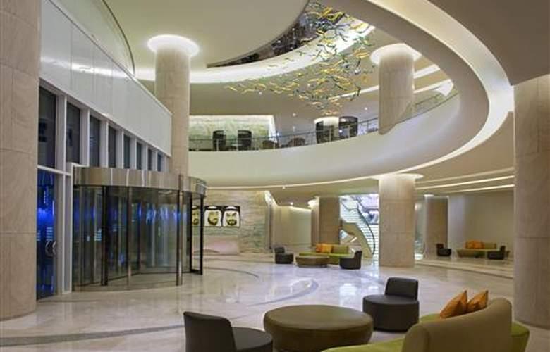 Hilton Capital Grand Abu Dhabi - Hotel - 8