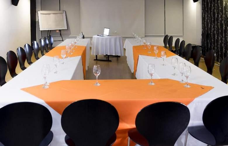Hotel L´etoile Universidad Javeriana - Conference - 10