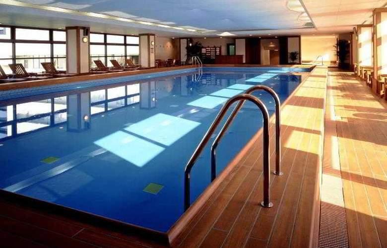 Kobe Bay Sheraton Hotel and Towers - Pool - 42