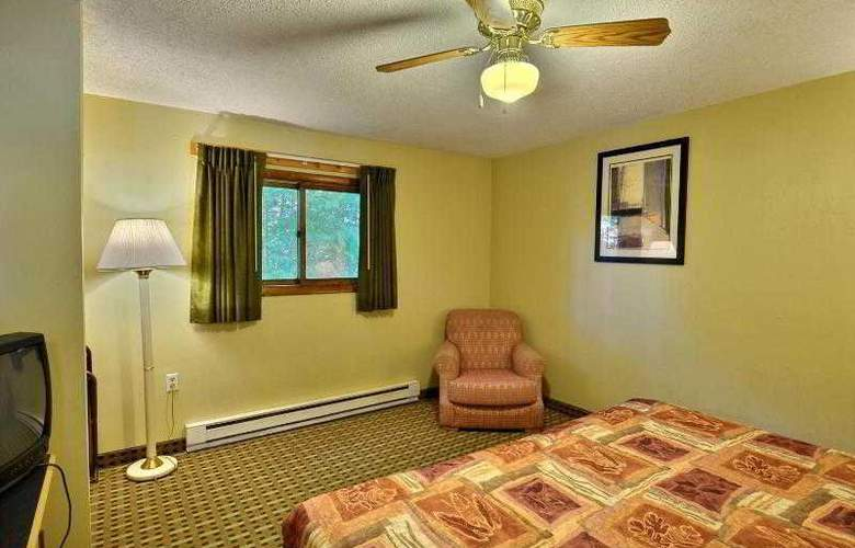 Econo Lodge Inn & Suites - Room - 0
