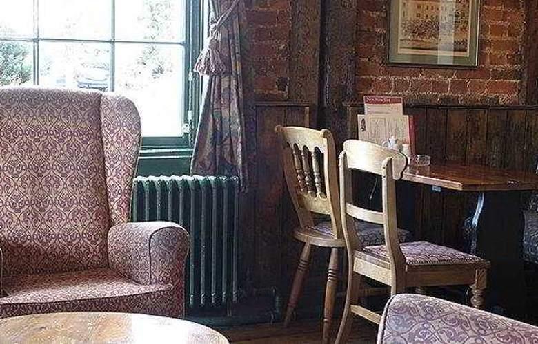 Feathers Inn - Bar - 3