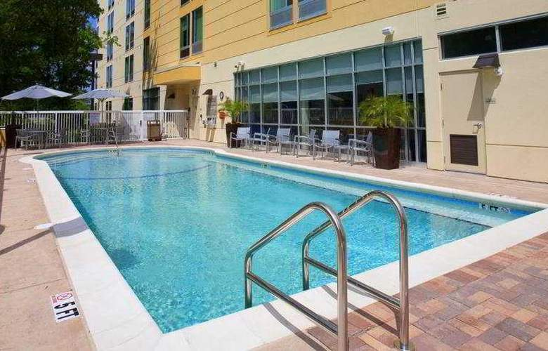 Springhill Suites Tampa - Pool - 3