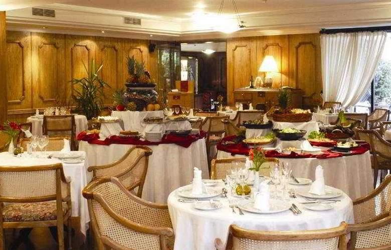 Kennedy - Restaurant - 7