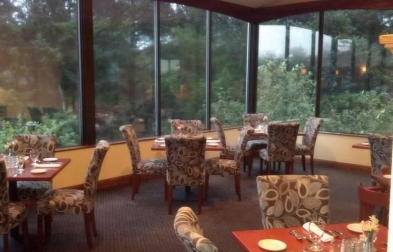 Best Western Plus Agate Beach Inn - Restaurant - 105