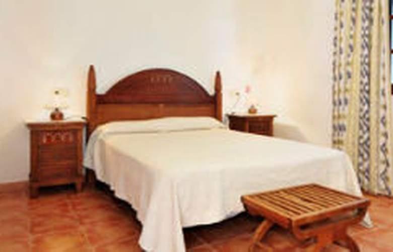 Villa Les Oliveres - Room - 0