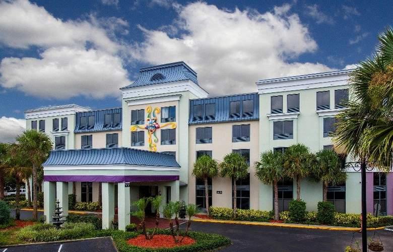 Quality Suites The Royale Parc Suites - Hotel - 6