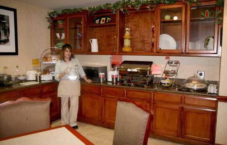Hampton Inn Odessa - Hotel - 5