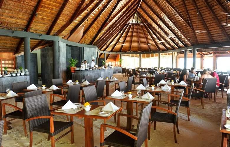 Komandoo Maldive Island Resort - Restaurant - 20