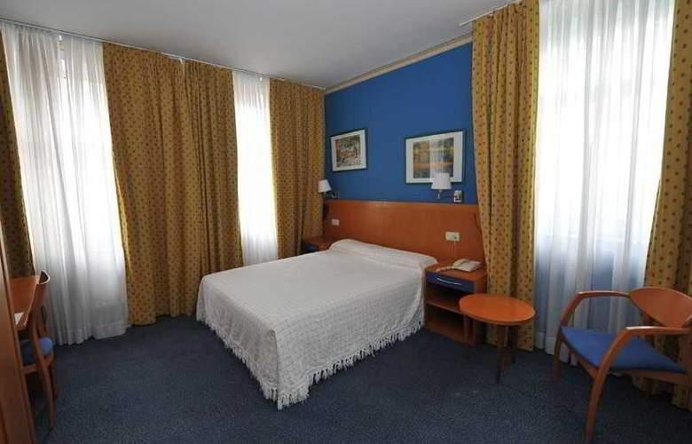 Seminario Bilbao - Room - 8