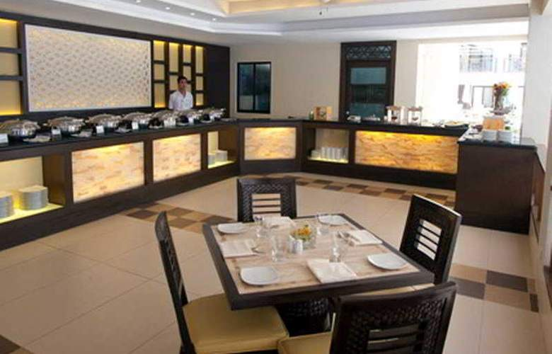 Regency Lagoon Resort - Restaurant - 4