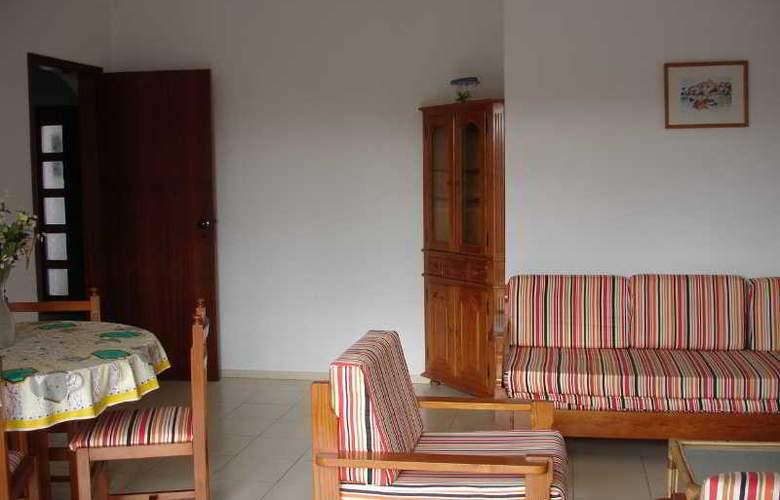 Turiquintas - Room - 14