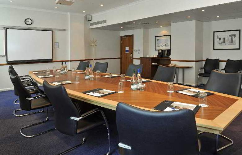Hyatt Place London Heathrow Airport - Conference - 23